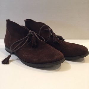 Bjorndal Soft Suede Tasseled Chukka Ankle Bootie